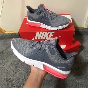 Nike Air Sequent